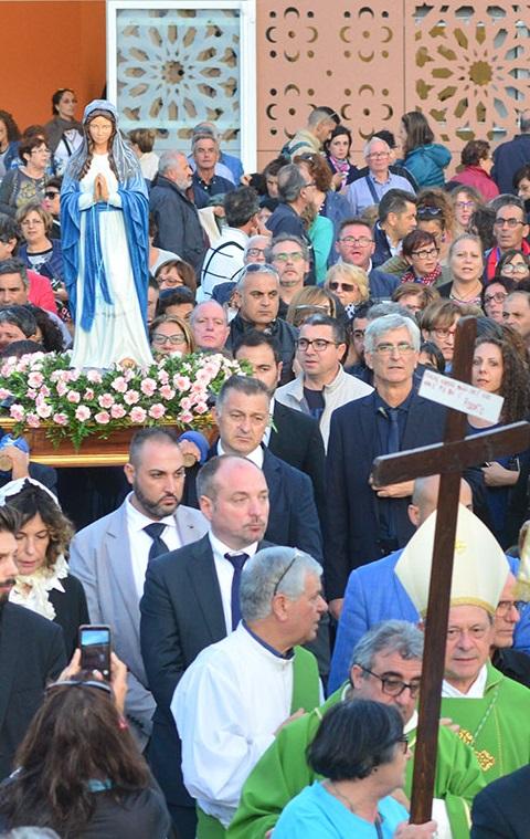 """<span class=""""entry-title-primary"""">""""Questo il miracolo che chiediamo a Maria: Arrivare a Gesù, poterlo toccare, credere in Lui""""</span> <span class=""""entry-subtitle"""">Festa di Nostra Signora di Lourdes - L"""
